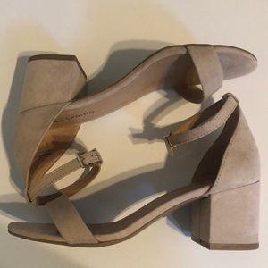 "2.5"" Sandal Heel Size 6"